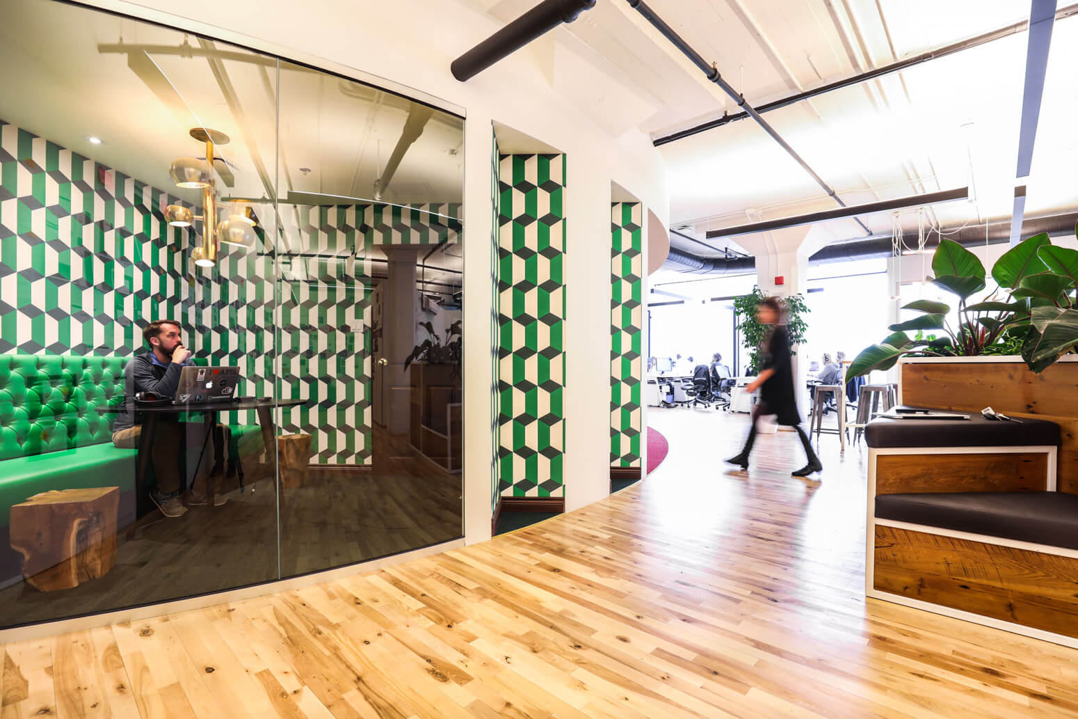 Shutterstock Montreal Office Killer Spaces-9