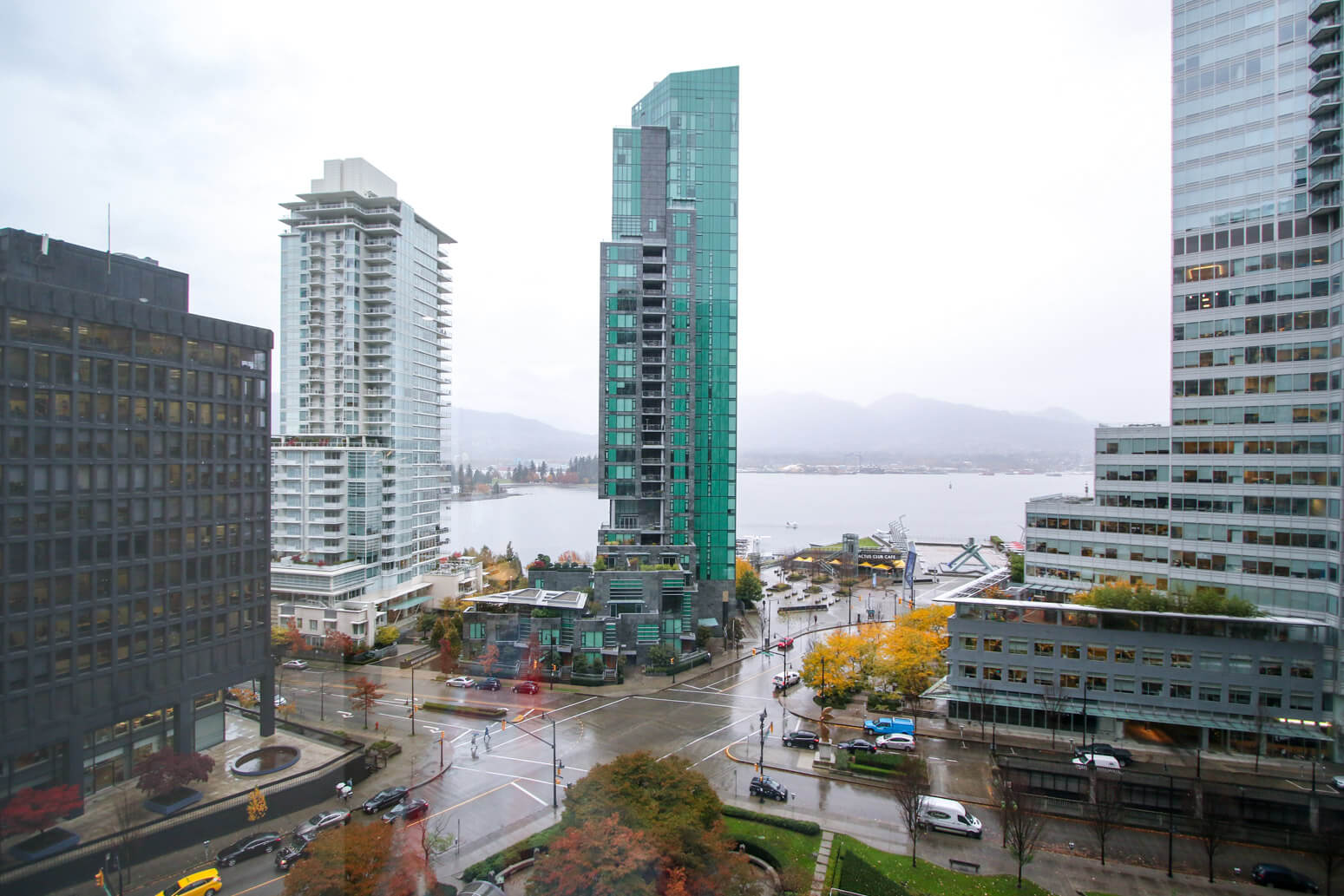 Expedia Vancouver Office Killer Space-10